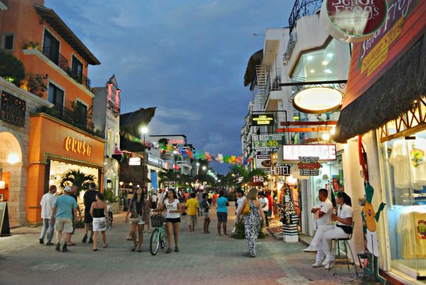 Picture of Playa del Carmen's Quinta Avenida (Fifth Avenue)