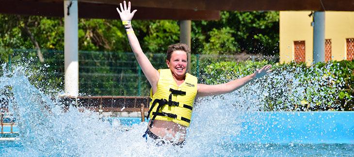 Lugares para nadar con delfines en la Riviera Maya [Los mejores 5]