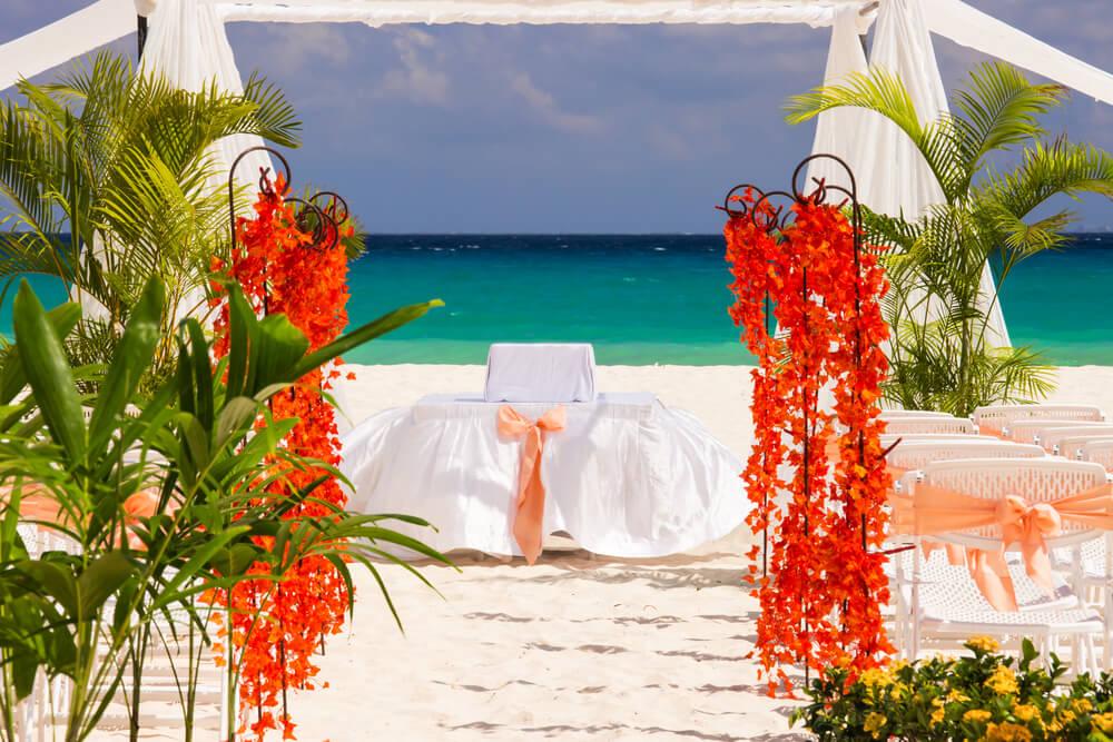 Las playas son un escenario común en las bodas en la Riviera Maya