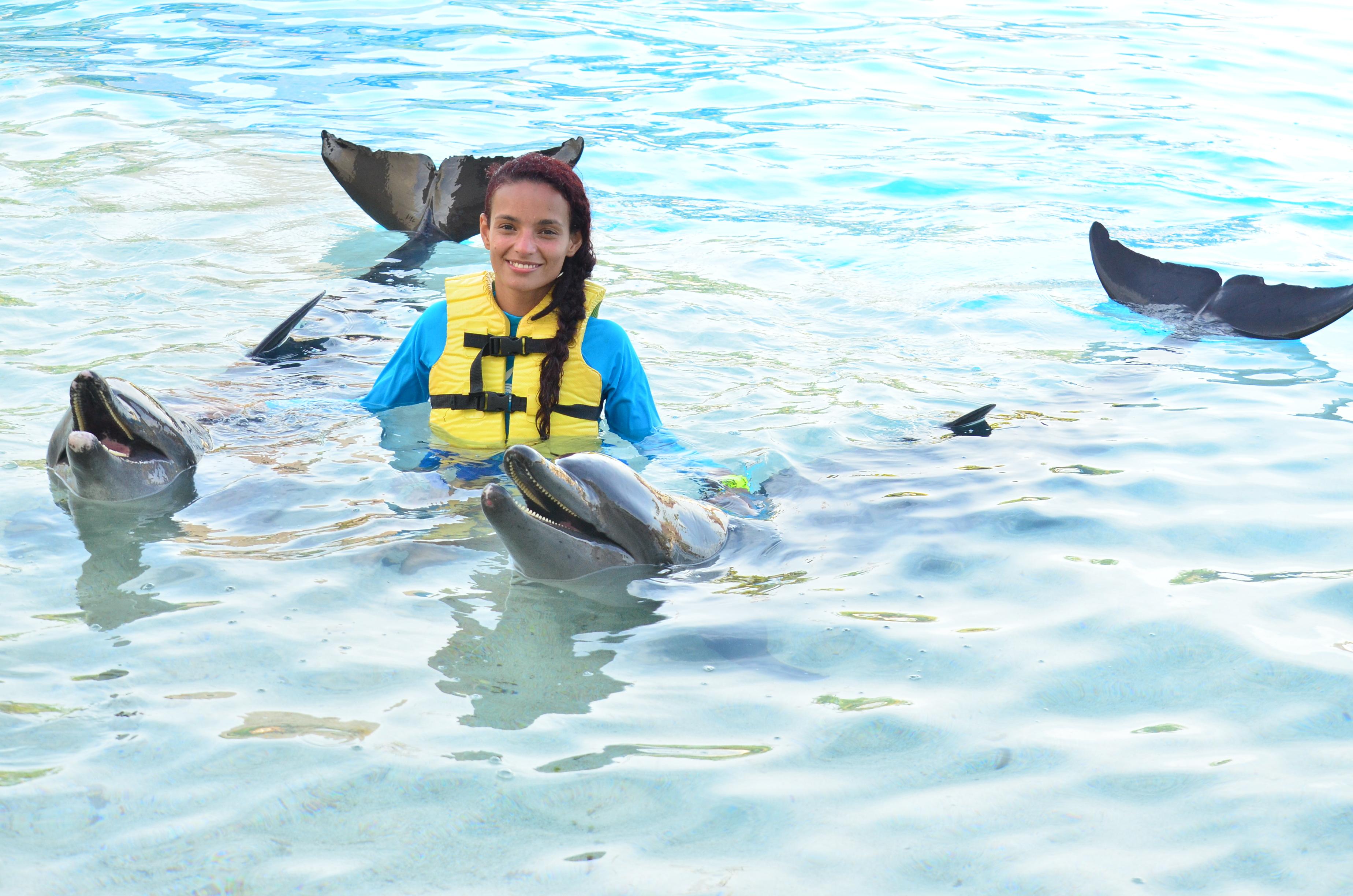 ¡Nadar con delfines puede ser una triple aventura!