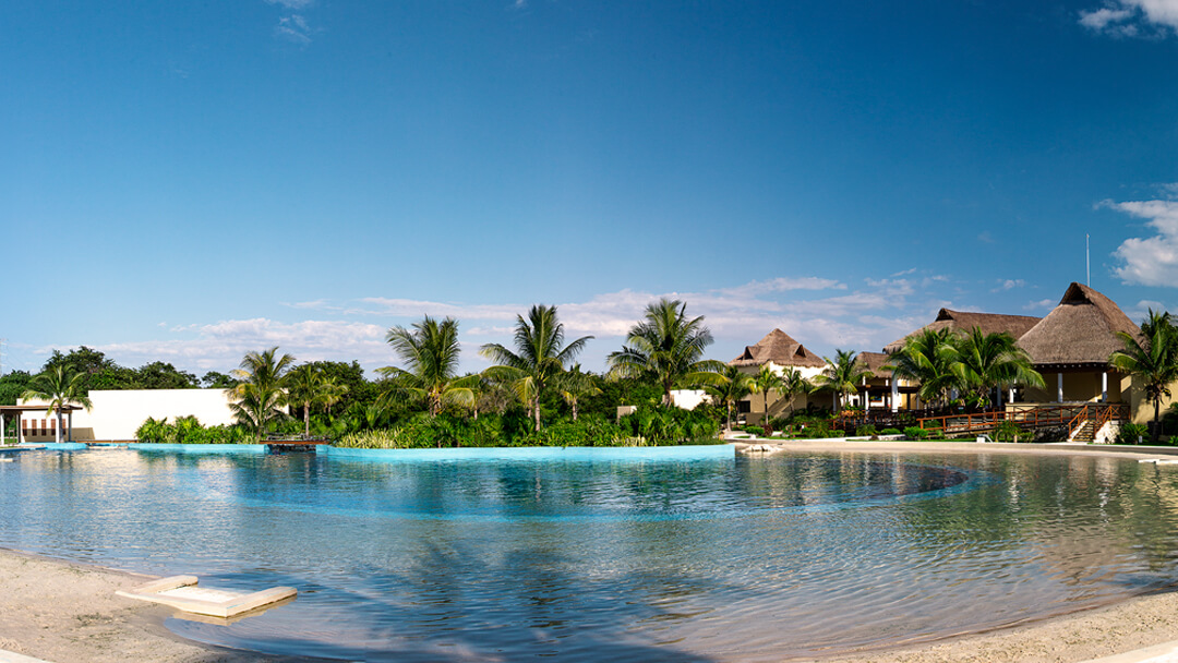How is the weather in Riviera Maya?